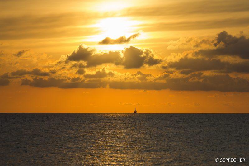 Coucher de soleil sur la méditéranée.